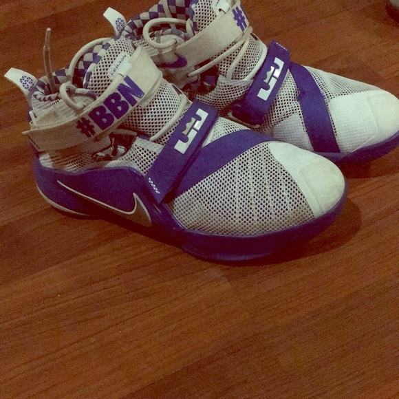 reputable site 16766 4aa4a Nike Lebron's #BBN UK shoes 7Y